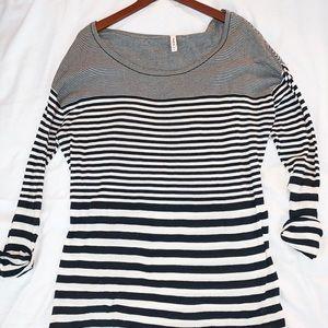 Black & white oversized RVCA shirt